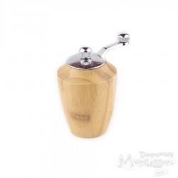 Młynek drewniany